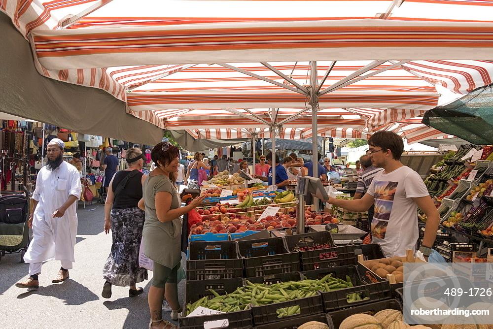 Market, Lido di Jesolo, Venice, Veneto, Italy, Europe