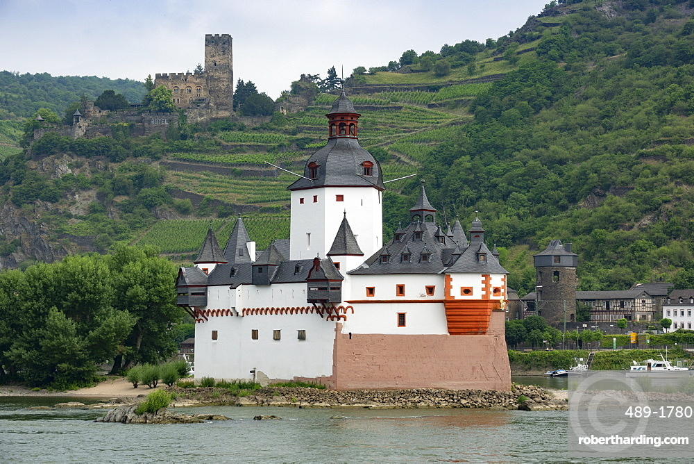 Pfalzgrafenstein Castle, Gutenfels Castle in background, near Kaub, River Rhine, Germany, Europe