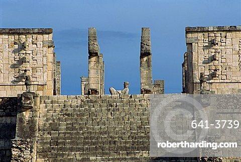Temple of the Warriors, Chichen Itza, UNESCO World Heritage Site, Yucatan, Mexico, North America