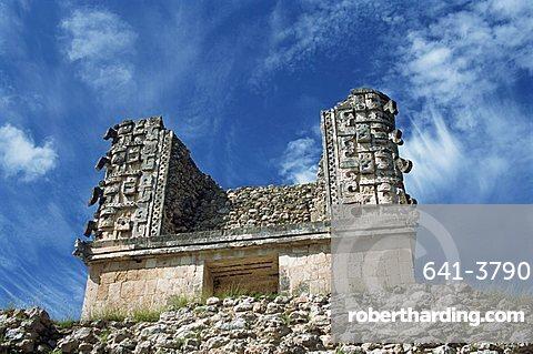 Building near the Magician's Pyramid, Uxmal, UNESCO World Heritage Site, Yucatan, Mexico, North America