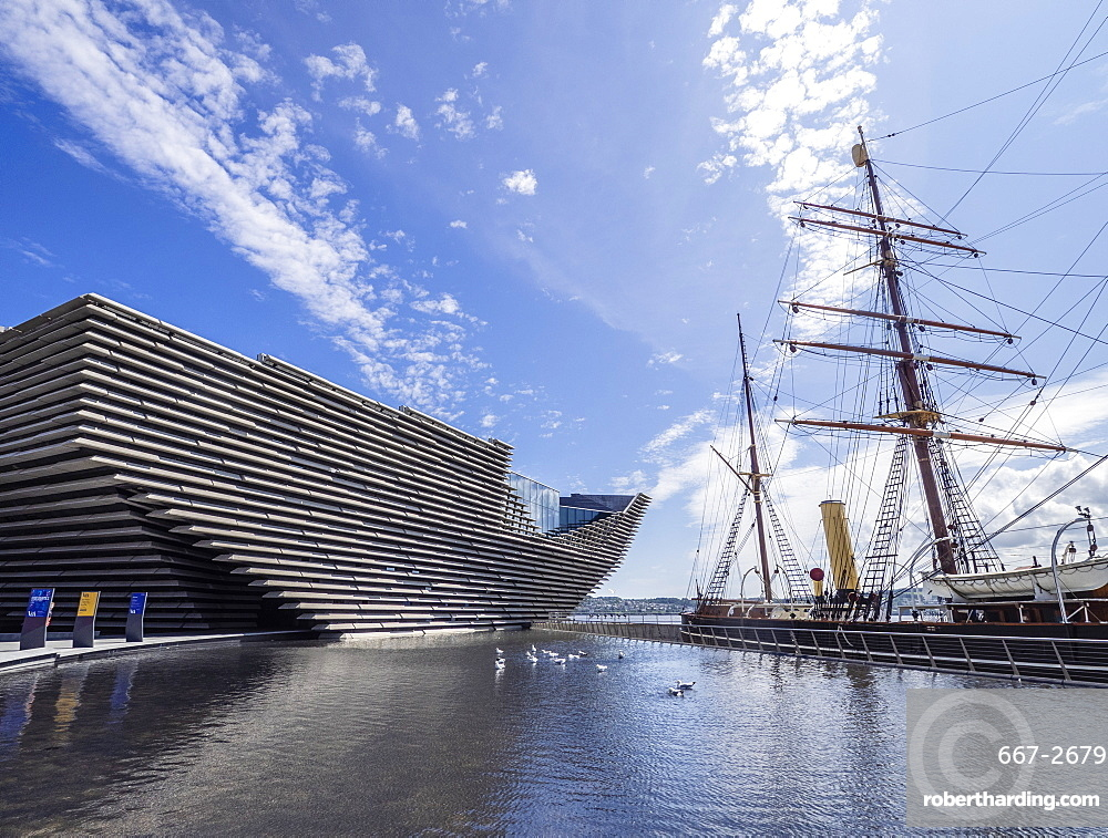 V&A Museum of Design and RRS Discovery, Waterfront, Dundee, Scotland, United Kingdom, Europe