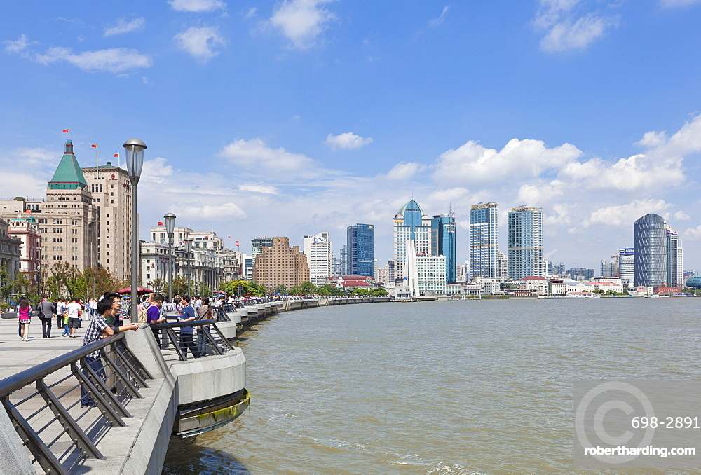 The Bund Colonial Buildings and skyline, Huangpu River, Shanghai, China, Asia