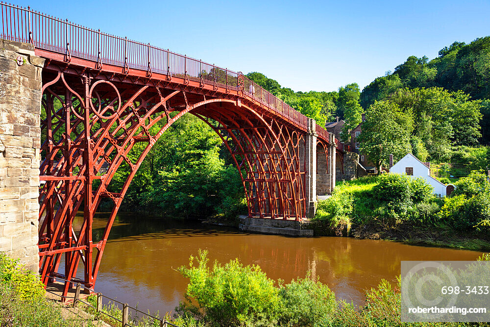 Red Ironbridge bridge over river Severn Ironbridge gorge Iron bridge Shropshire England GB UK europe