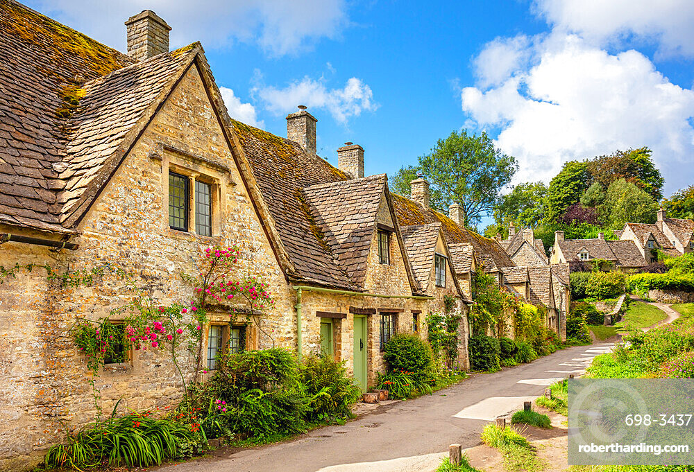 Bibury village Bibury The Cotswolds Bibury Weavers Cottages Arlington row Bibury Wiltshire England UK GB Europe
