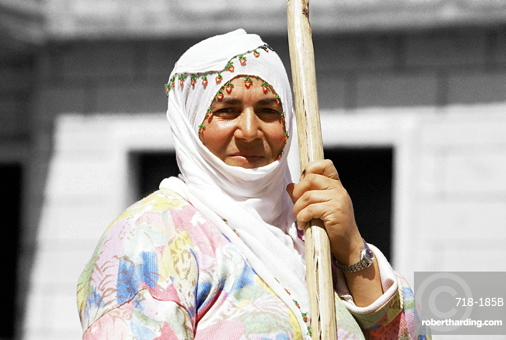 Portrait of a Muslim woman, Goreme, Cappadocia, Anatolia, Turkey, Asia Minor, Eurasia