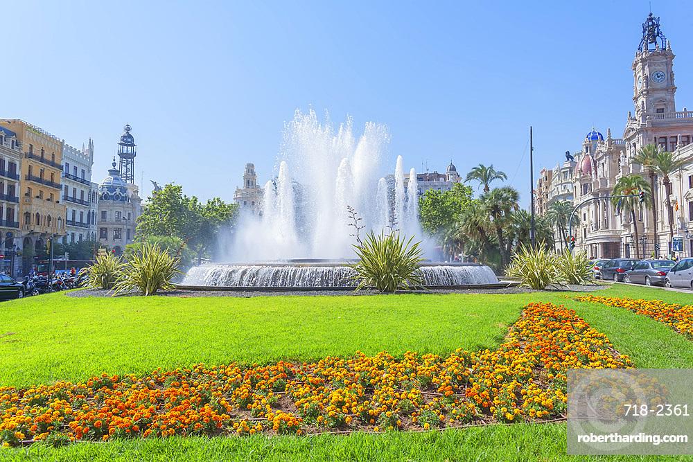 Ayuntamiento Square and townhall, Valencia, Comunidad Autonoma de Valencia, Spain, Europe