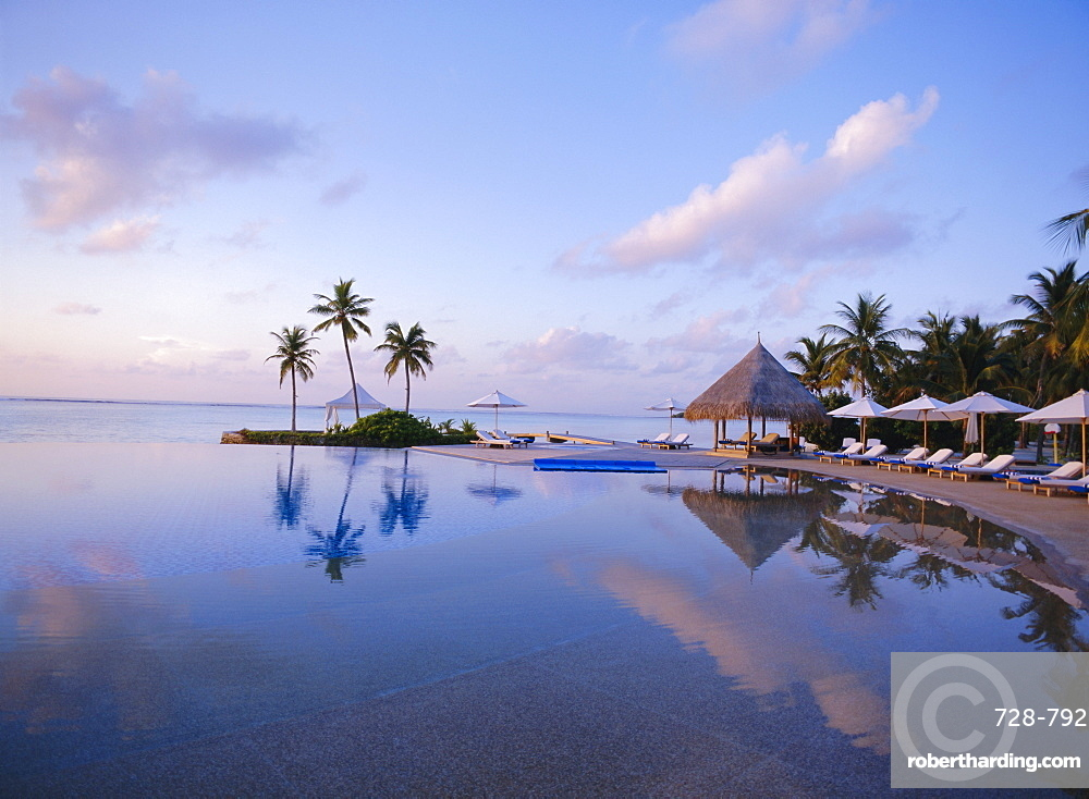 Four Seasons Hotel, Maldives *** Local Caption ***