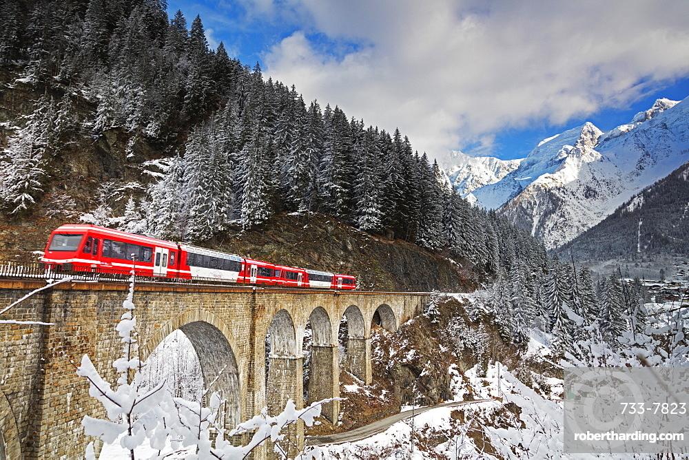 Mont Blanc Express train going over a viaduct, Chamonix, Haute Savoie, Rhone Alpes, France, Europe