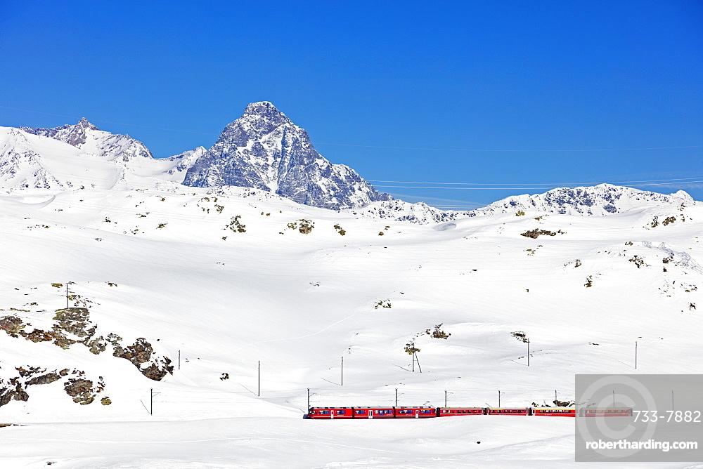 Rhaetian Railway near Albula Bernina Pass, UNESCO World Heritage Site, Engadine, Switzerland, Europe