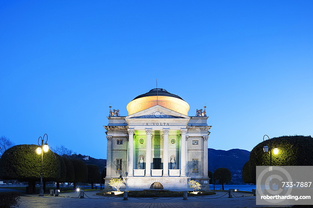 Volta Memorial to the inventor of the battery, Como town, Lake Como, Lombardy, Italian Lakes, Italy, Europe