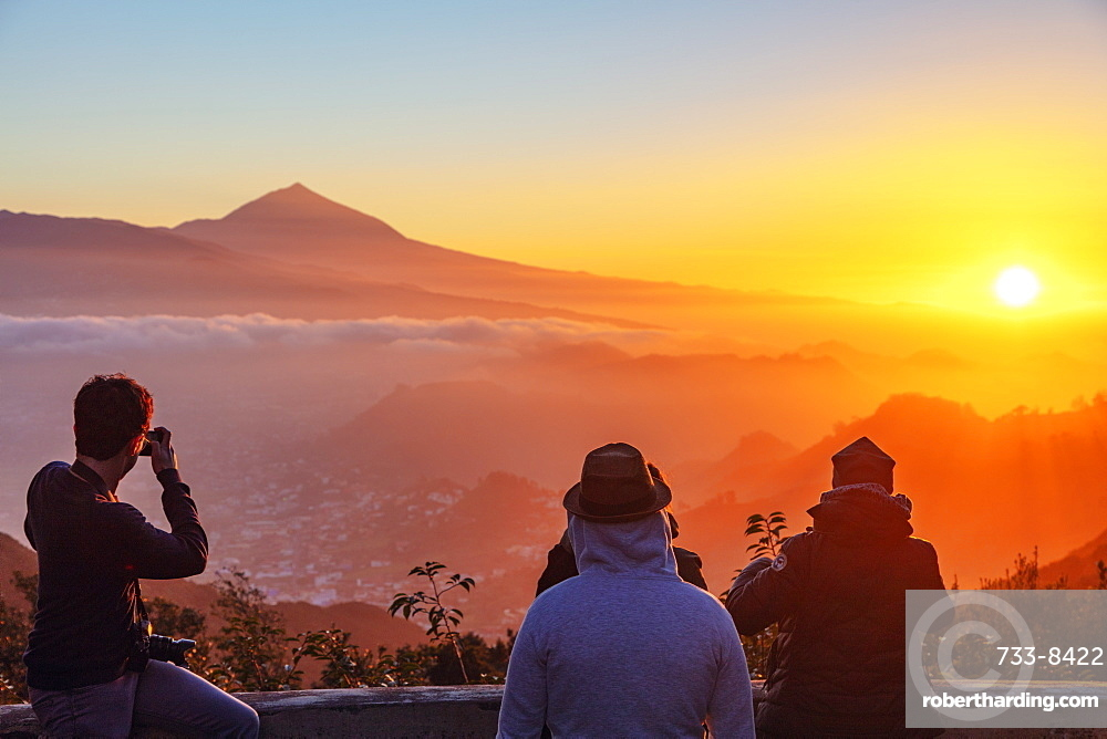 Europe, Spain, Canary Islands, Tenerife, Teide National Park, Unesco site, Pico del Teide (3718m) highest mountain in Spain, sunset