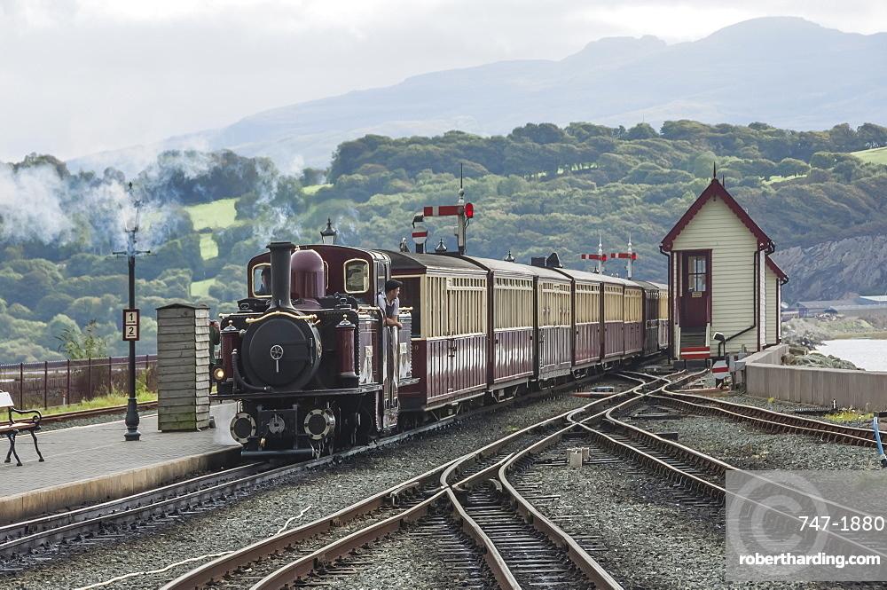 Narrow guage Blaenau Ffestiniog railway station at Porthmadog, train arriving, Llyn Peninsular, Gwyned, Wales, UK