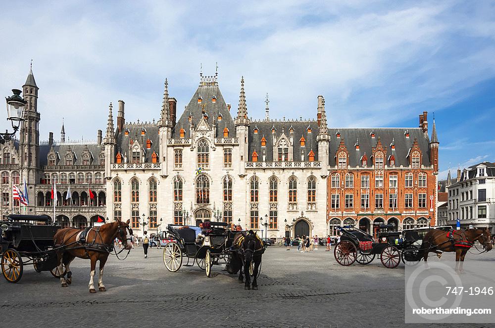 Market Square, Horse Drawn Carriages, Bruges, UNESCO World Heritage Site, West Flanders, Belgium, Europe