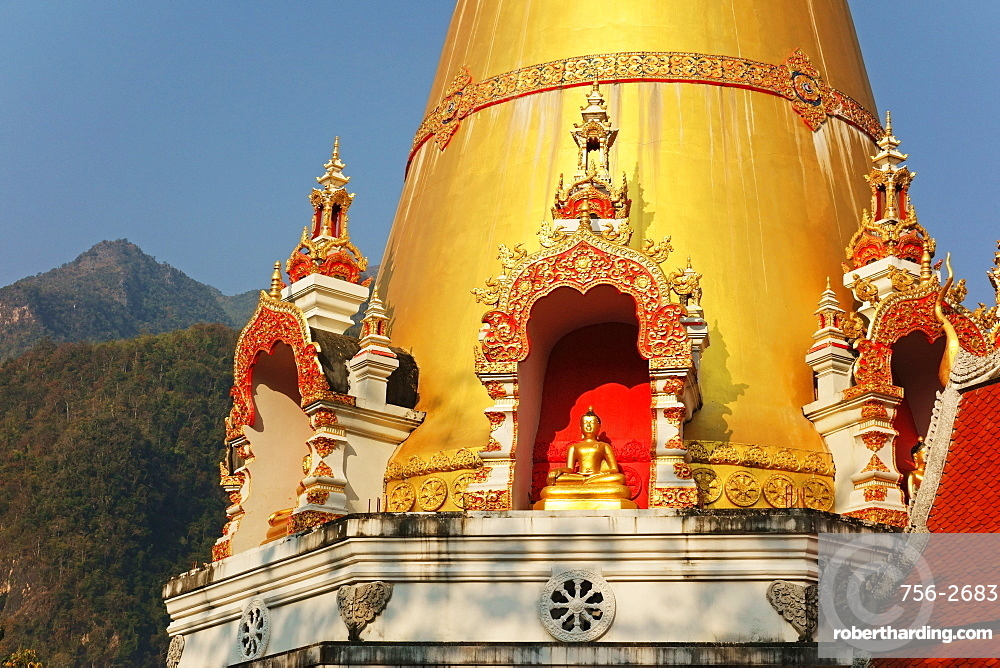 Buddhist Temple and Doi Chiang Dao, Chiang Dao, Chiang Mai Province, Thailand, Southeast Asia, Asia