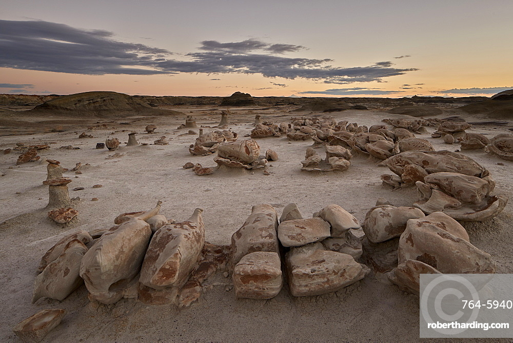 Egg Factory at dawn, Bisti Wilderness, New Mexico, USA