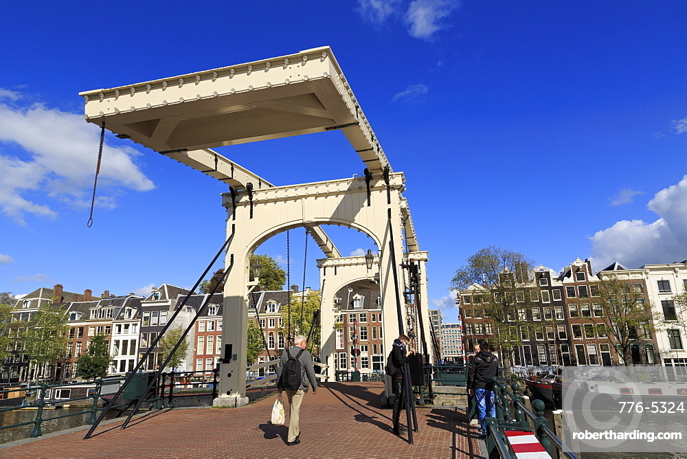 Magere Brug (Skinny Bridge), Amsterdam, North Holland, Netherlands, Europe