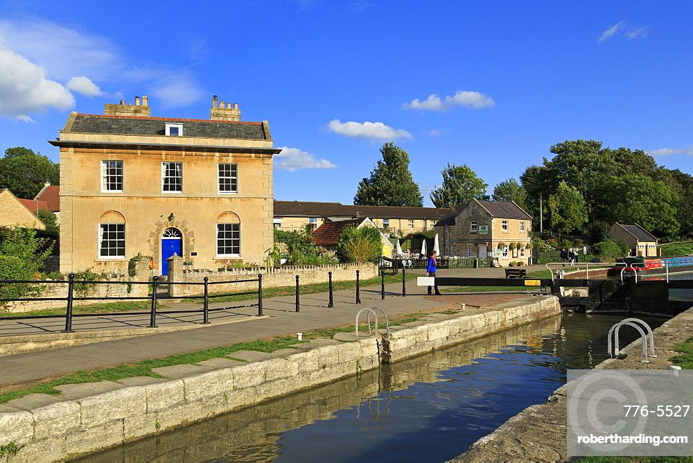 Locks, Kennet and Avon Canal, Bradford on Avon, Wiltshire, England, United Kingdom, Europe