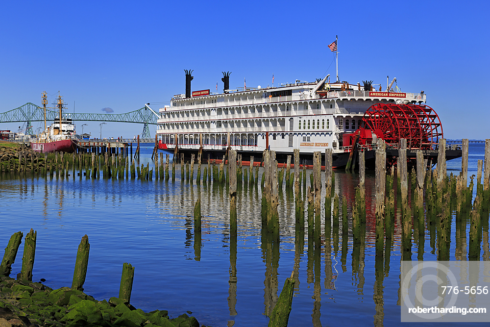 American Express Paddle Steamer, Astoria, Oregon, United States of America, North America