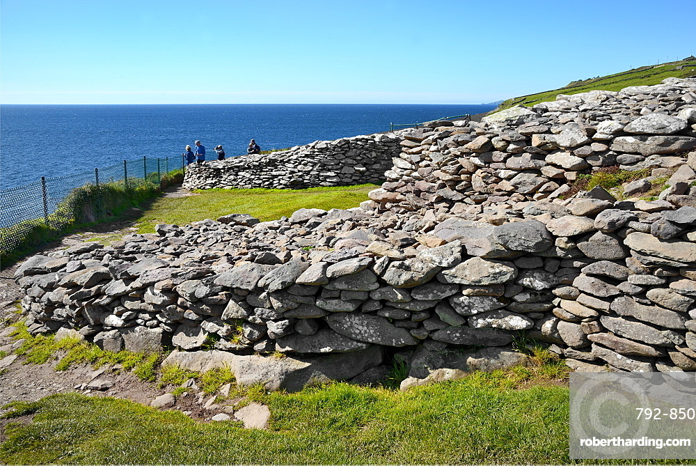 Dunbeg Promontory Fort, Slea Head Drive, Dingle Peninsula, Wild Atlantic Way, County Kerry, Munster, Republic of Ireland, Europe