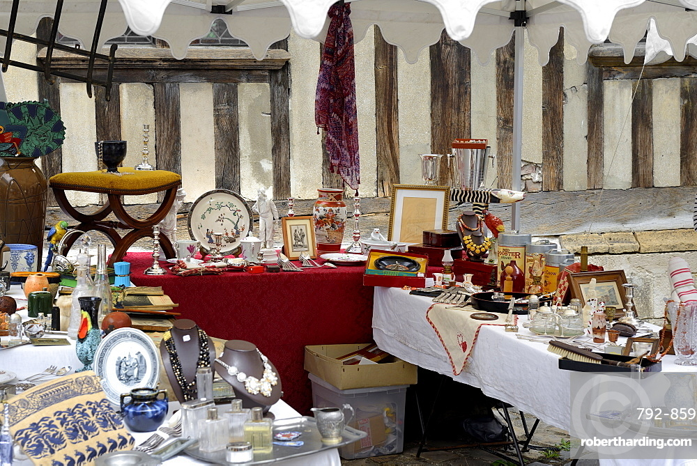 Flea Market, Brocante, Place Saint Catherine, Honfleur, Calvados, Basse Normandie (Normandy), France, Europe