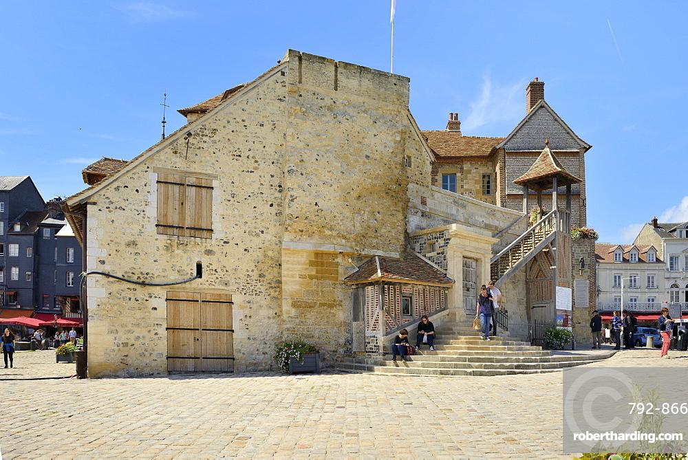 The 18th century Lieutenance, former governors house, Quai de la Quarantaine, Honfleur, Basse Normandie (Normandy), France, Europe