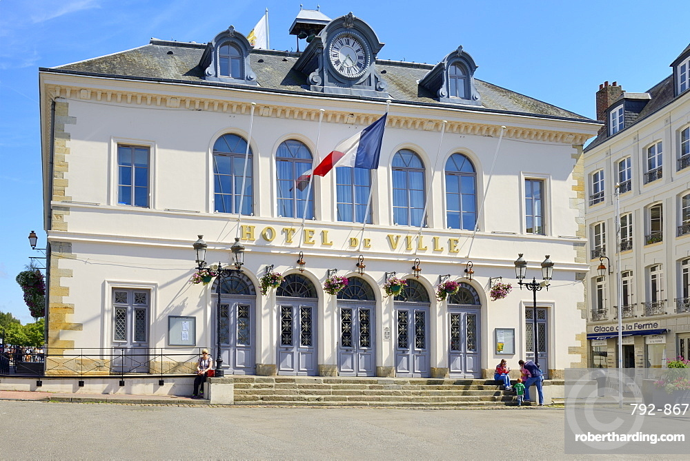 Hotel de Ville (Town Hall), Quai Saint Etienne, Honfleur, Calvados, Basse Normandie (Normandy), France, Europe
