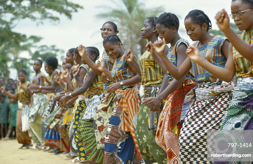 CONGO  Festivals Kimpese festival with students and teachers dancing  zaire