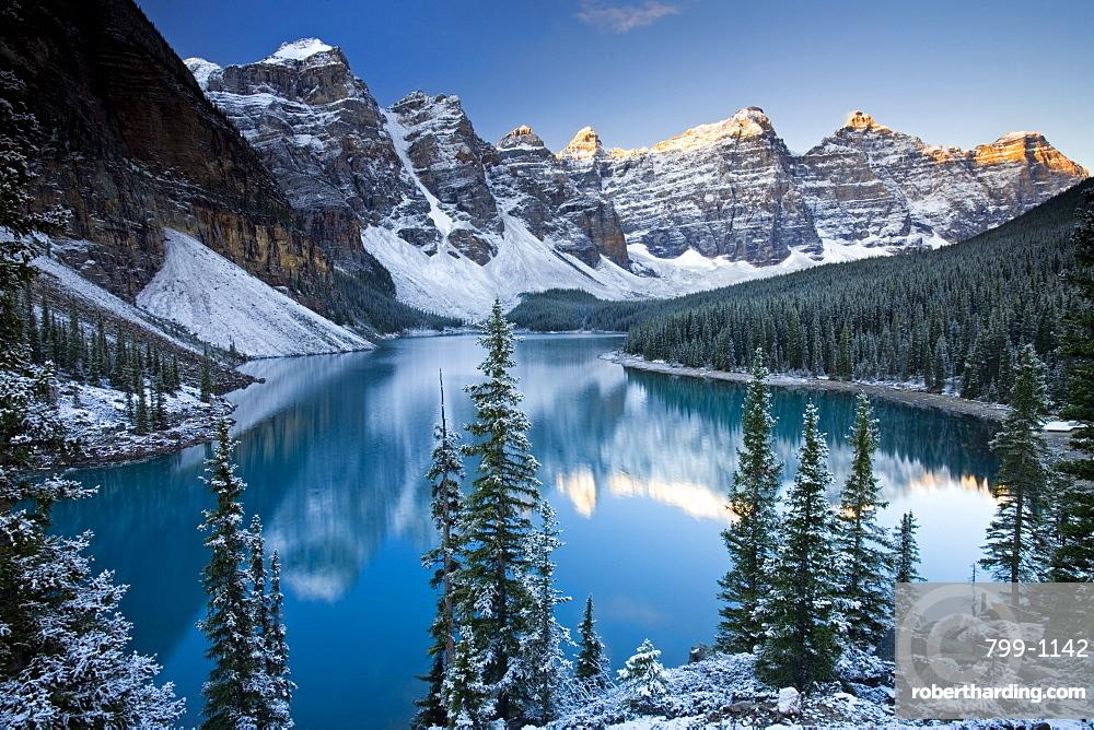 Winter snow at Moraine Lake, Banff National Park, UNESCO World Heritage Site, Alberta, Rocky Mountains, Canada, North America
