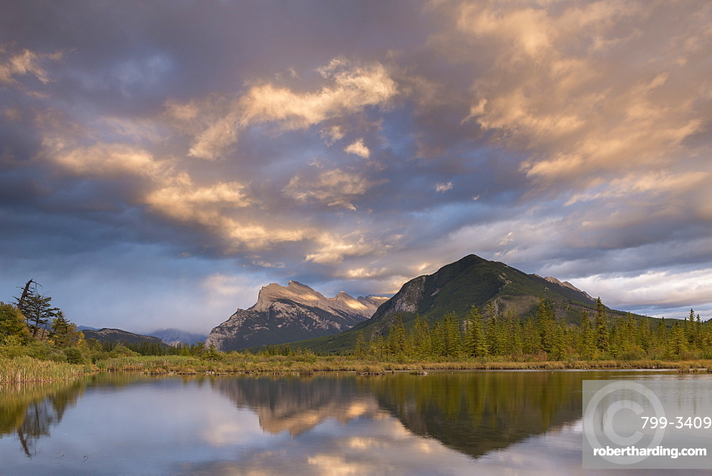 Colourful sunset clouds above Vermillion Lakes in the Canadian Rockies, Banff, Alberta, Canada, North America