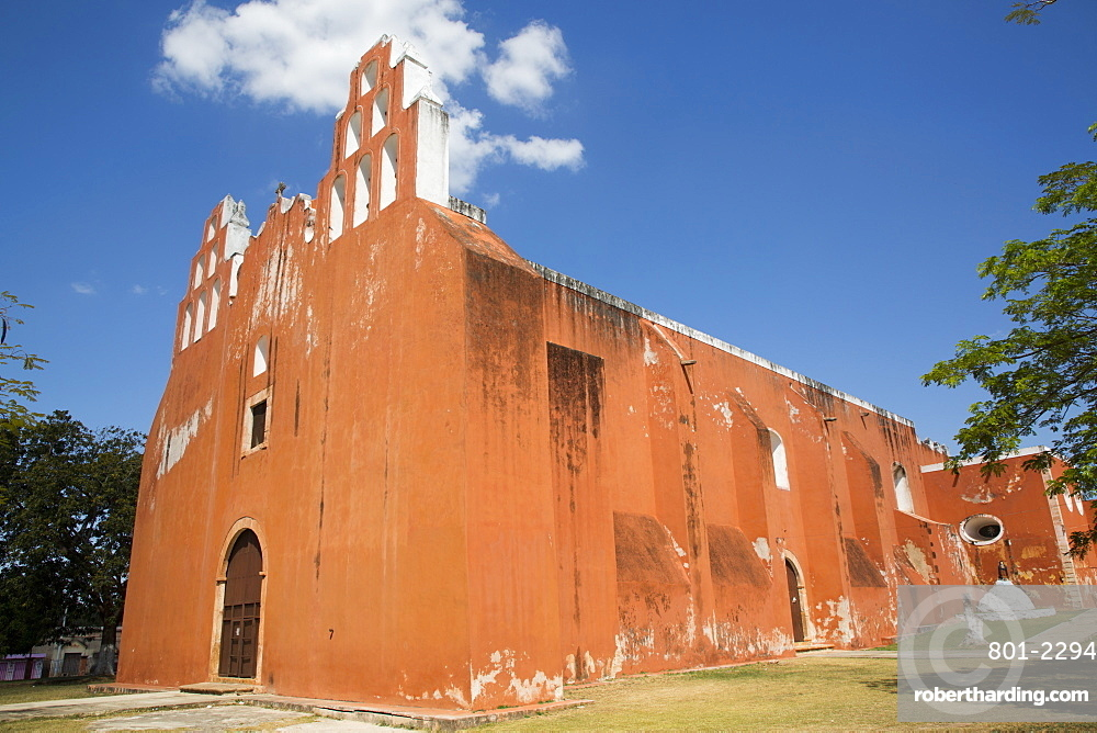 Church of the Virgen de la Asuncion, 16th century, Muna, Yucatan, Mexico, North America