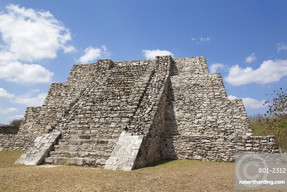 Northwest Temple, Mayan Ruins, Mayapan Archaeological Site, Yucatan, Mexico, North America