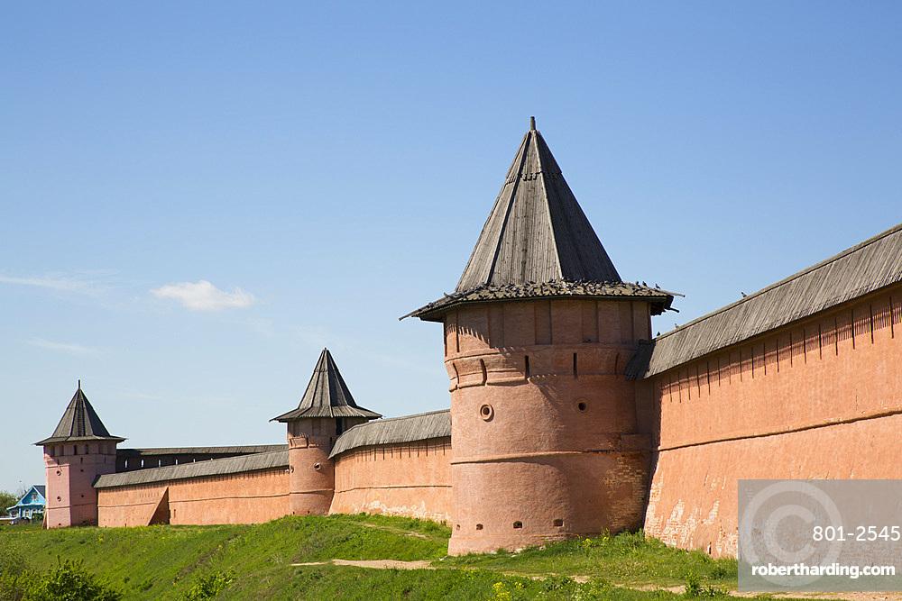 Rampart Walls and Towers, Saviour Monastery of St Euthymius, UNESCO World Heritage Site, Suzdal, Vladimir Oblast, Russia