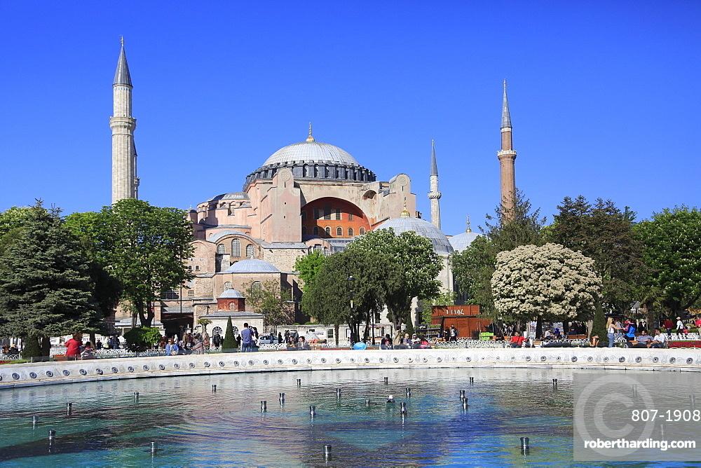 Hagia Sophia, Aya Sofya, UNESCO World Heritage Site, Sultanahmet Square Park, Istanbul, Turkey, Europe