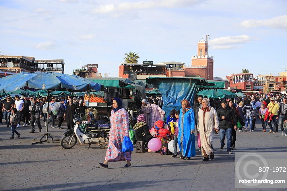 Jemaa el Fna (Djema Djemaa Fnaa) Square, UNESCO World Heritage Site, Marrakesh (Marrakech), Morocco, North Africa, Africa