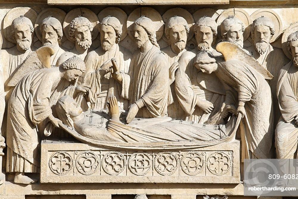 Entombment, upper lintel, Virgin portal, Western facade, Notre Dame de Paris Cathedral, Paris, France, Europe