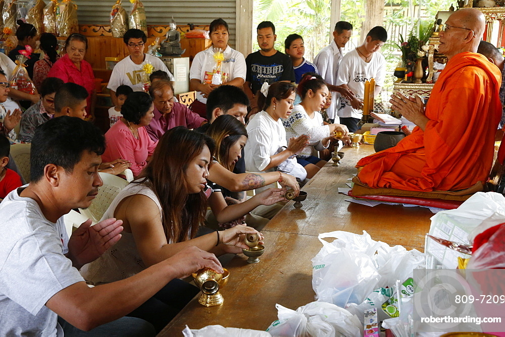 Puja, Khao Pansa celebration at Wat Ampharam, Hua Hin, Thailand, Southeast Asia, Asia