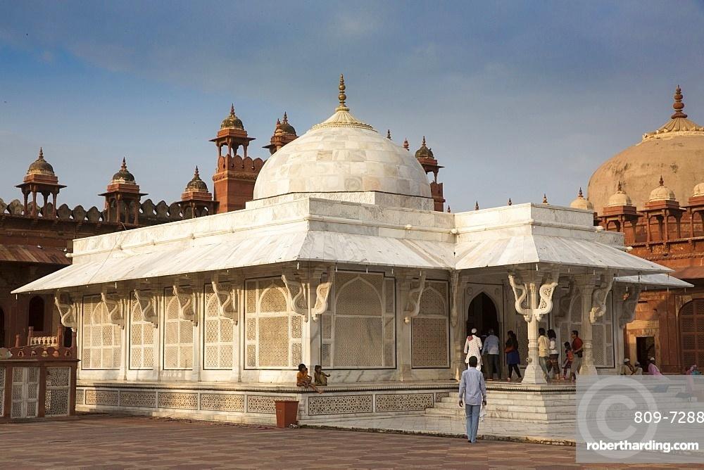 Shaikh Salim Chisti 's white marble tomb, Fatehpur Sikri, UNESCO World Heritage Site, Uttar Pradesh, India, Asia