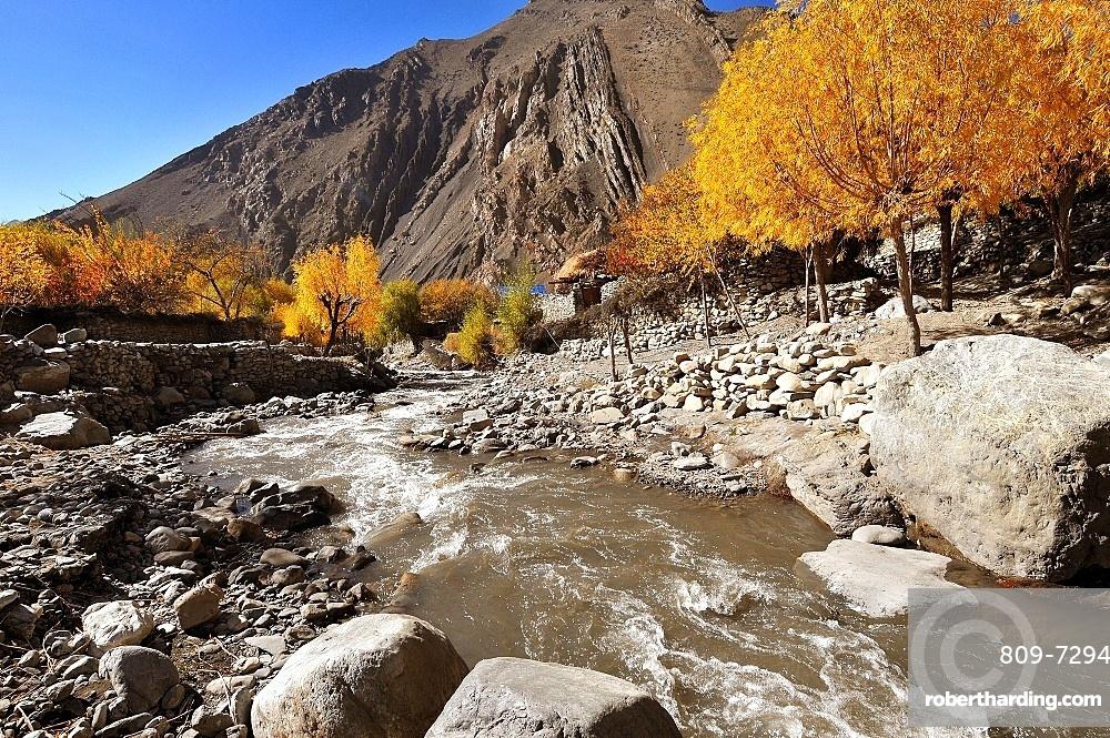 Kali Gandaki River valley, Mustang, Nepal, Himalayas, Asia