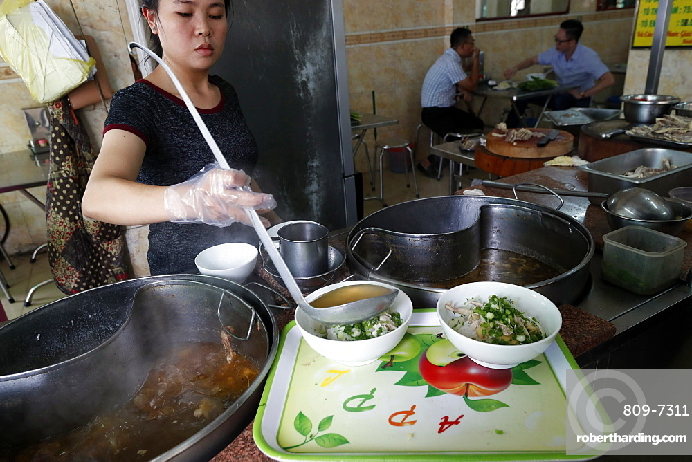 Vietnamese traditional pho noodle soup restaurant, Ho Chi Minh City, Vietnam, Indochina, Southeast Asia, Asia