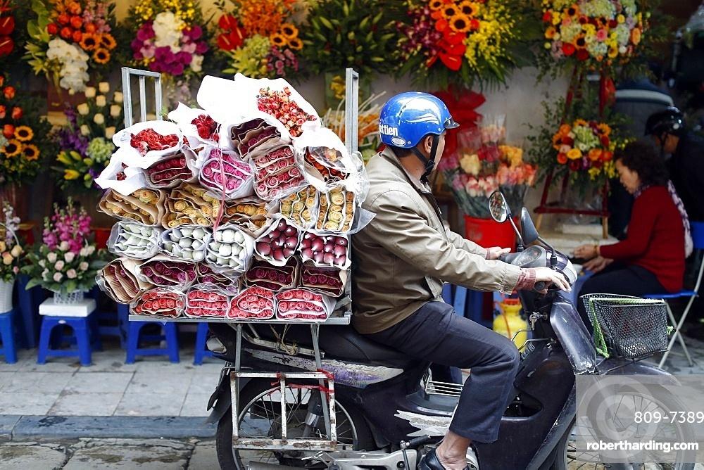 Motor bike at flower market, Hanoi, Vietnam, Indochina, Southeast Asia, Asia