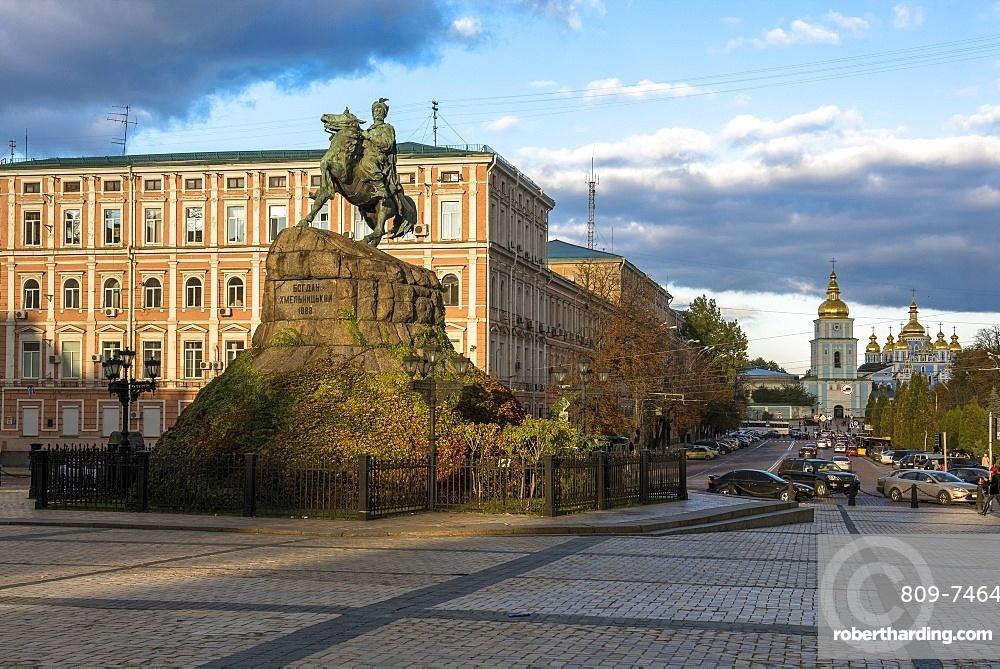 Statue of Cossack Hero Bohdan Khmelnytsky on Sofiyska Square, Kiev, Ukraine, Europe