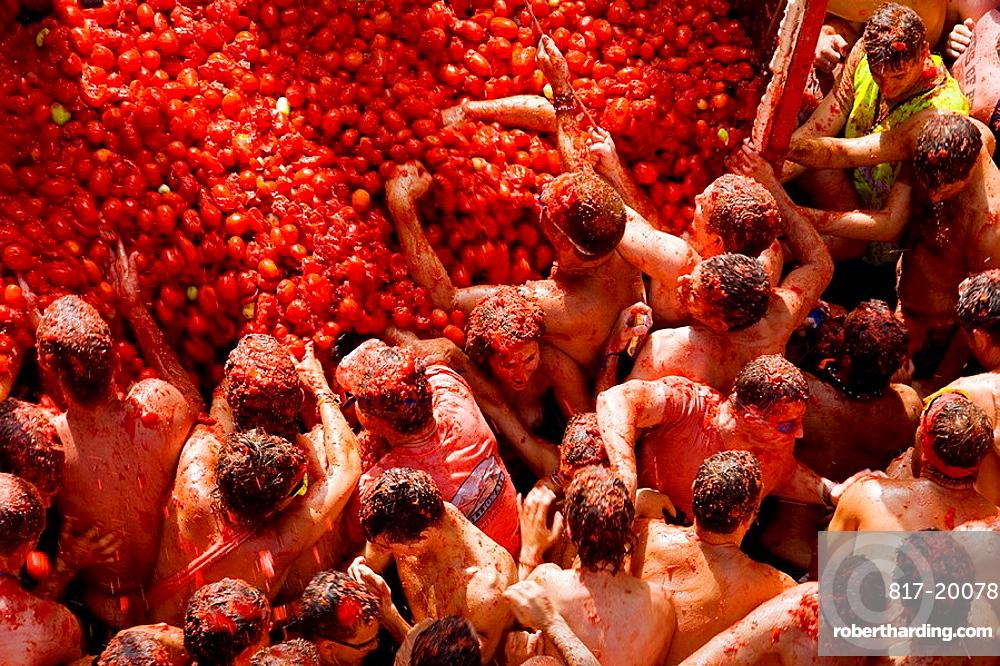 Tomatina food fight festival, Bunol, Valencia province, Comunidad Valenciana, Spain