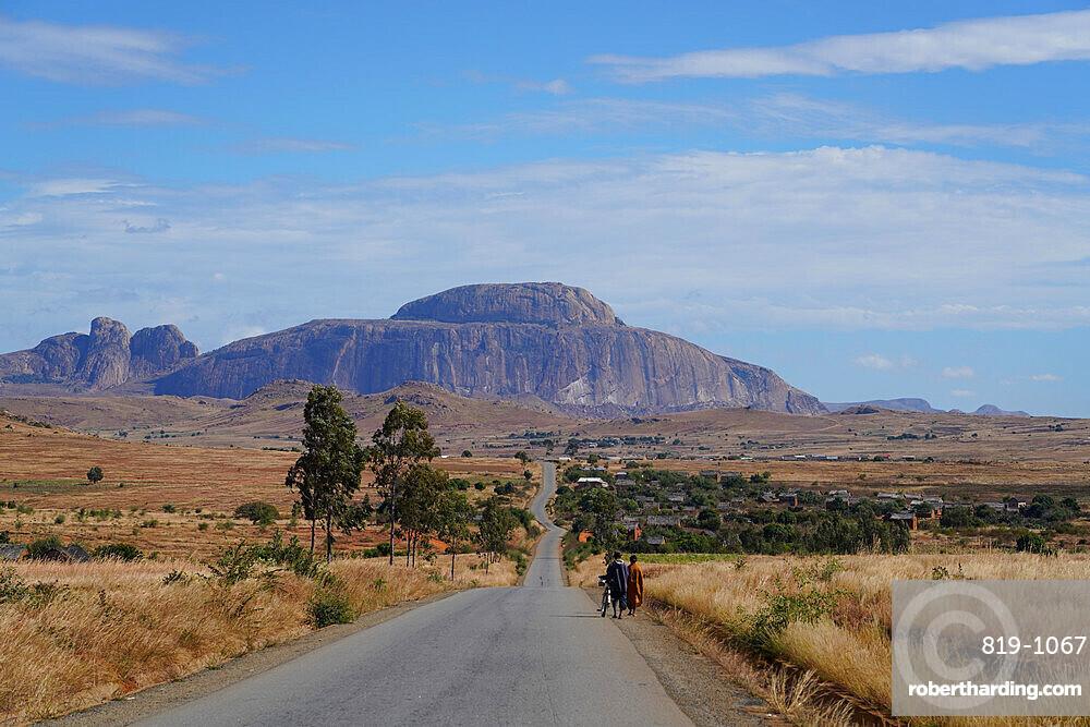 Chapeau de l'évêque Massif, Ifandana, Fianarantsoa province, Ihorombe Region, Southern Madagascar