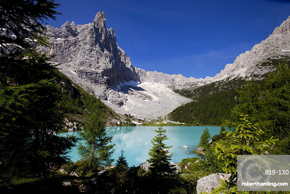 Glacial Sorapiss Lake and God's Finger mountain in the background, Dolomites, eastern Alps, Veneto, Italy, Europe