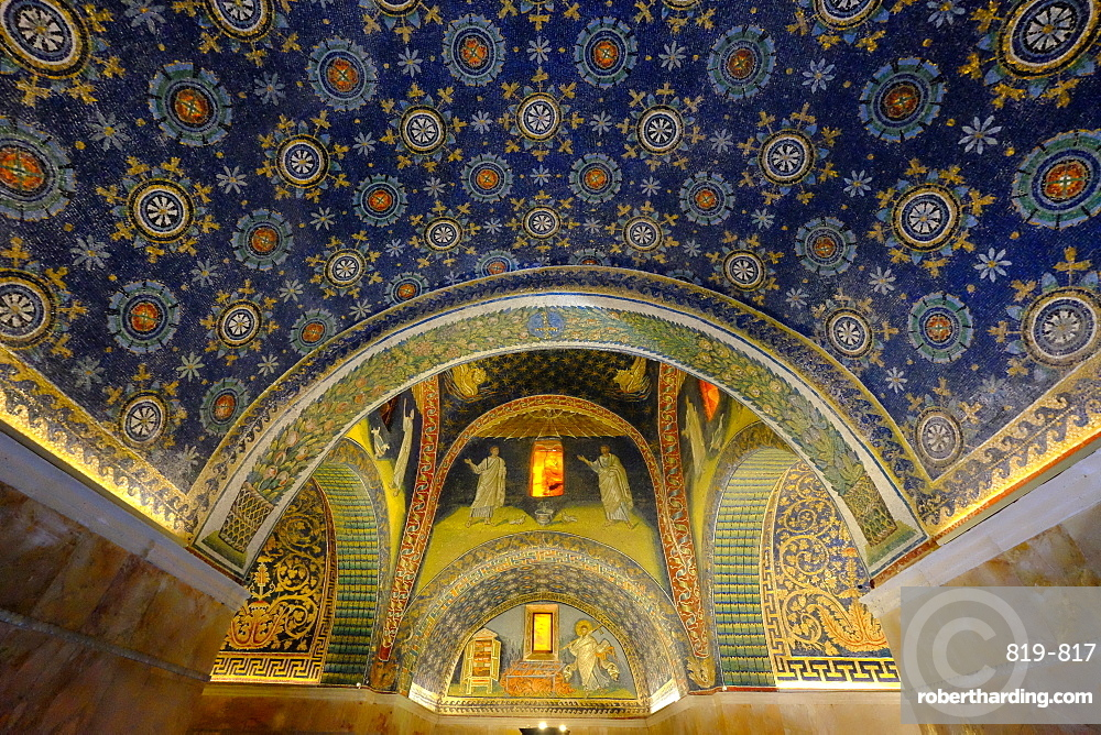 Mausoleum of Galla Placidia, UNESCO World Heritage Site, Ravenna, Emilia-Romagna, Italy, Europe