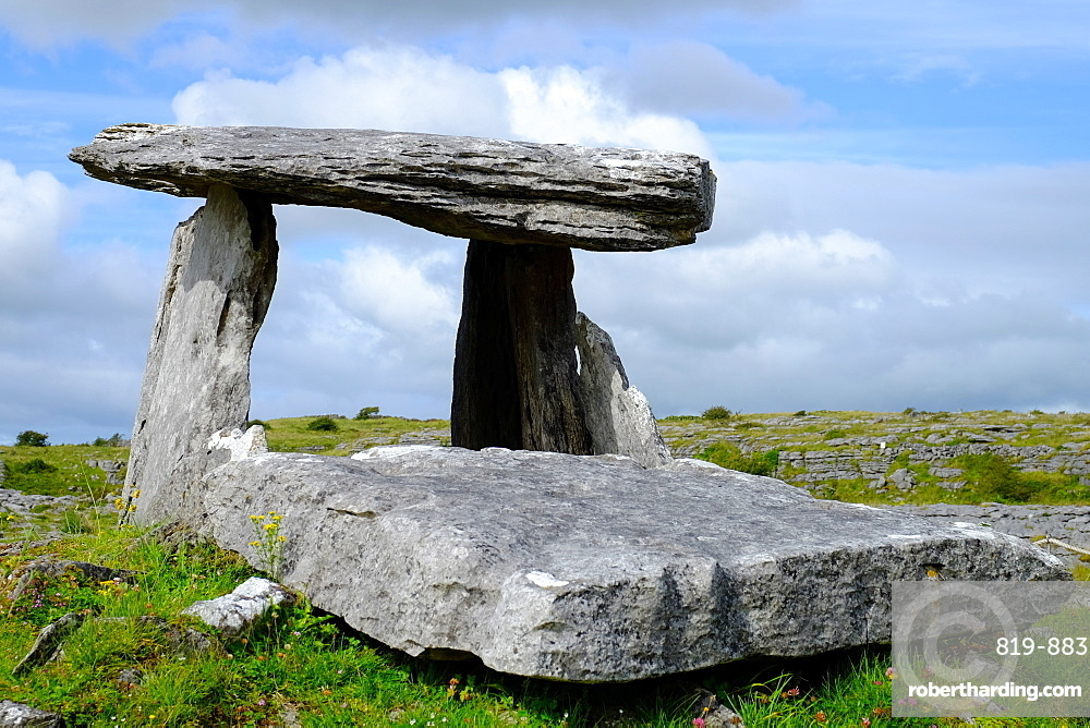 Poulnabrone Dolmen, located in the Burren, County Clare, Munster, Republic of Ireland, Europe