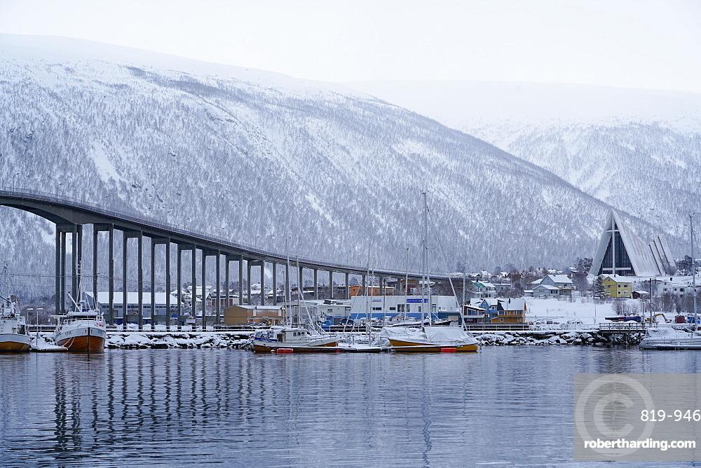 Tromso Harbour, the Bruvegen Bridge and Tromsdalen Church (Arctic Cathedral), Tromso, Troms County, Norway, Scandinavia, Europe