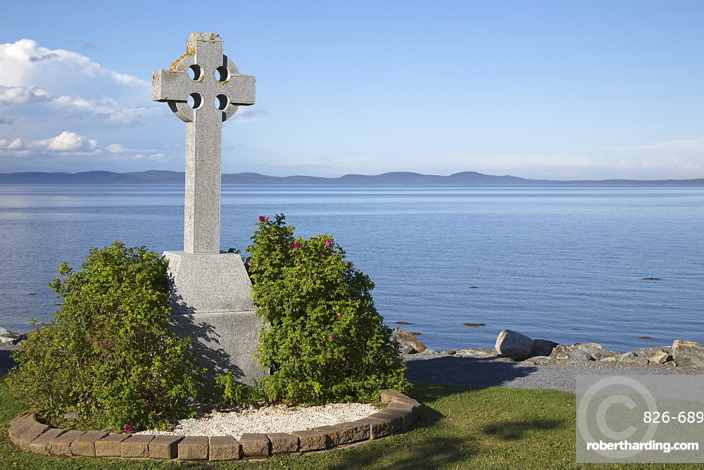 Celtic cross, a stone landmark overlooking Passamaquoddy Bay, at St. Andrews by-the-Sea in New Brunswick, Canada, North America