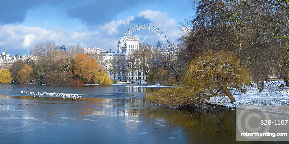 St. James's Park, Horse Guards and London Eye, London, England, United Kingdom, Europe