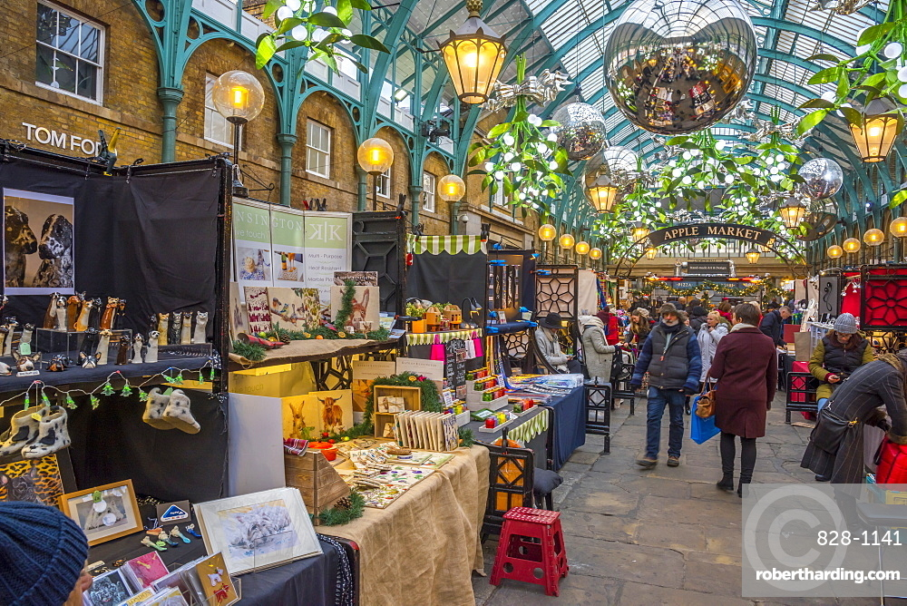 Covent Garden Market at Christmas, London, England, United Kingdom, Europe